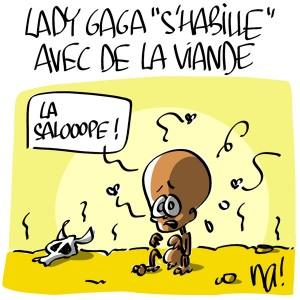 Nactualités : Lady Gaga «s'habille» avec de la viande…