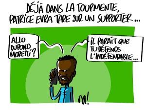 Patrice Evra tape sur un supporter