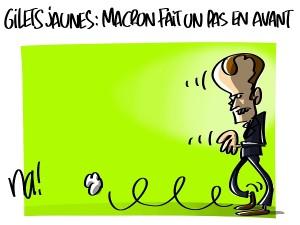 Gilets jaunes, Macron fait un pas en avant