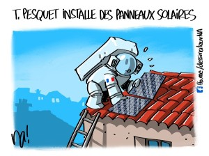 Thomas Pesquet installe des panneaux solaires